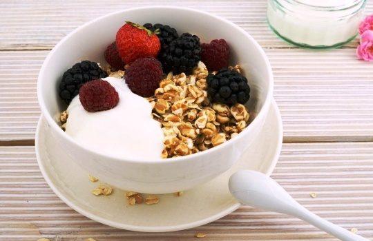Tips Agar Perut Kenyang Ketika Sarapan dengan Yogurt